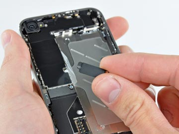 بازکردن قطعات ایفون