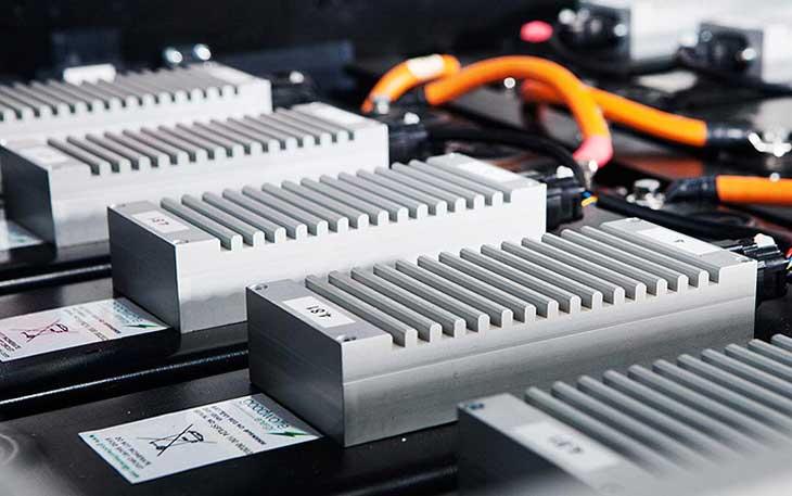 تفاوت باتری های لیتیوم یون و حالت جامد